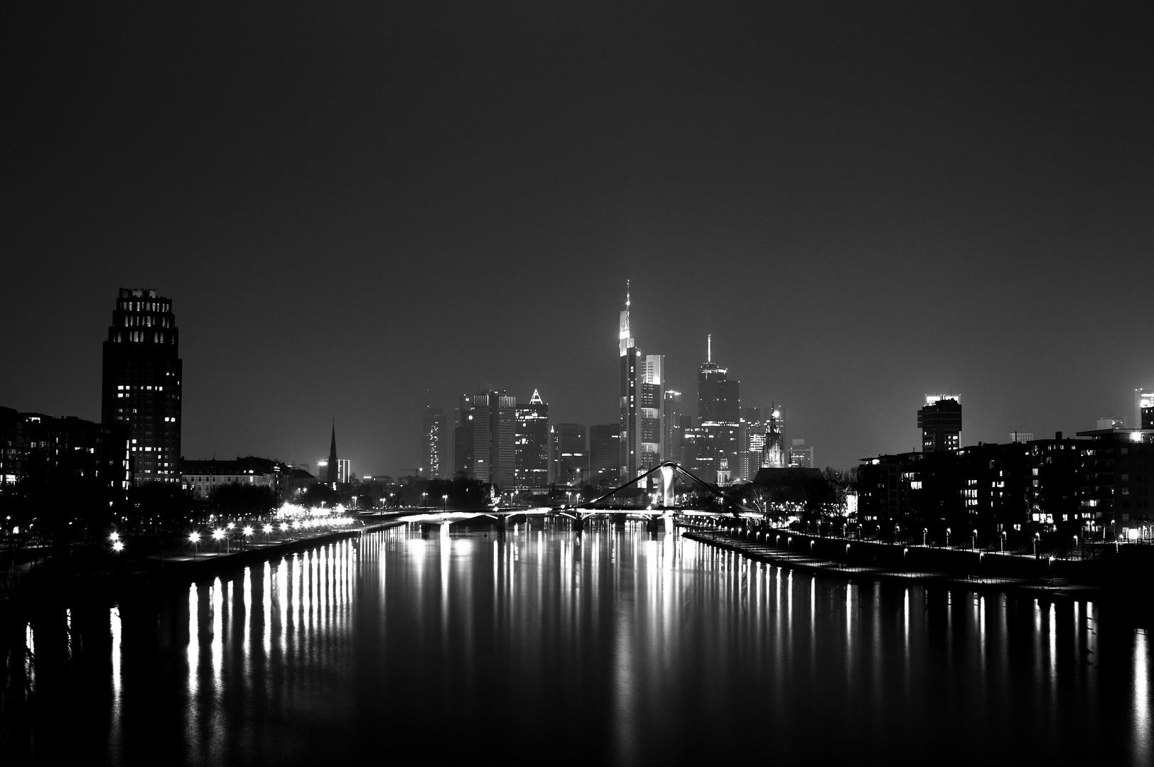 frankfurt skyline at night foto bild architektur stadtlandschaft skylines bilder auf. Black Bedroom Furniture Sets. Home Design Ideas