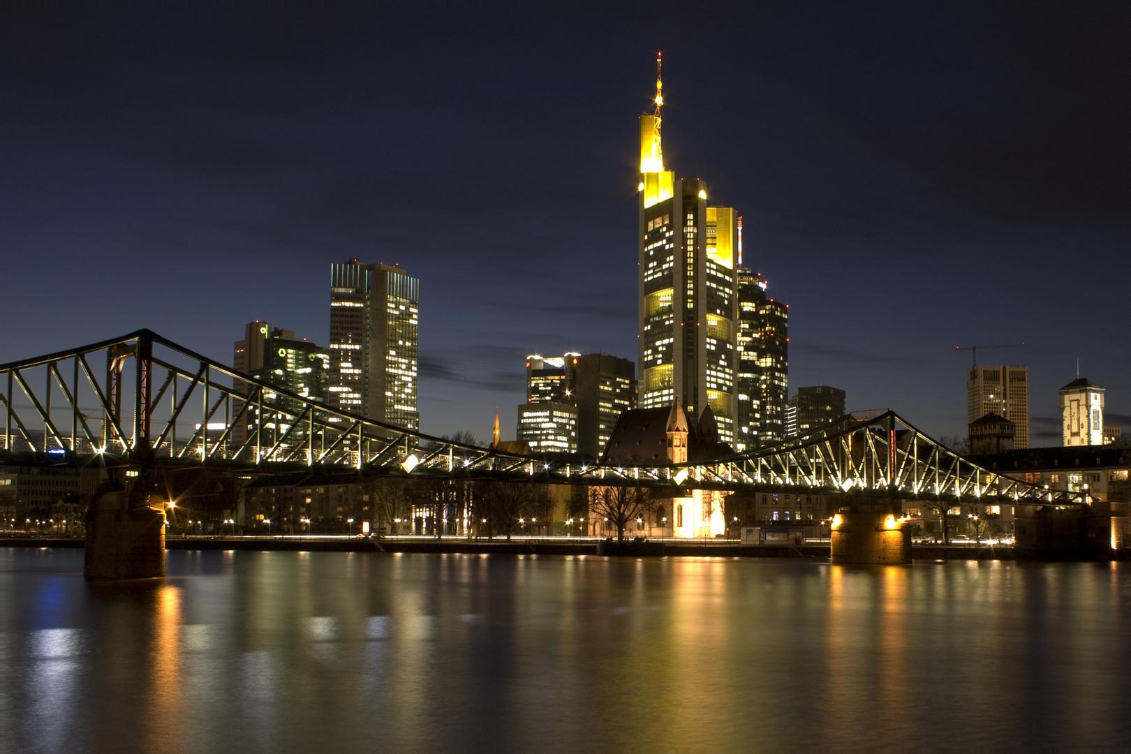 frankfurt skyline foto bild architektur architektur bei nacht motive bilder auf fotocommunity. Black Bedroom Furniture Sets. Home Design Ideas