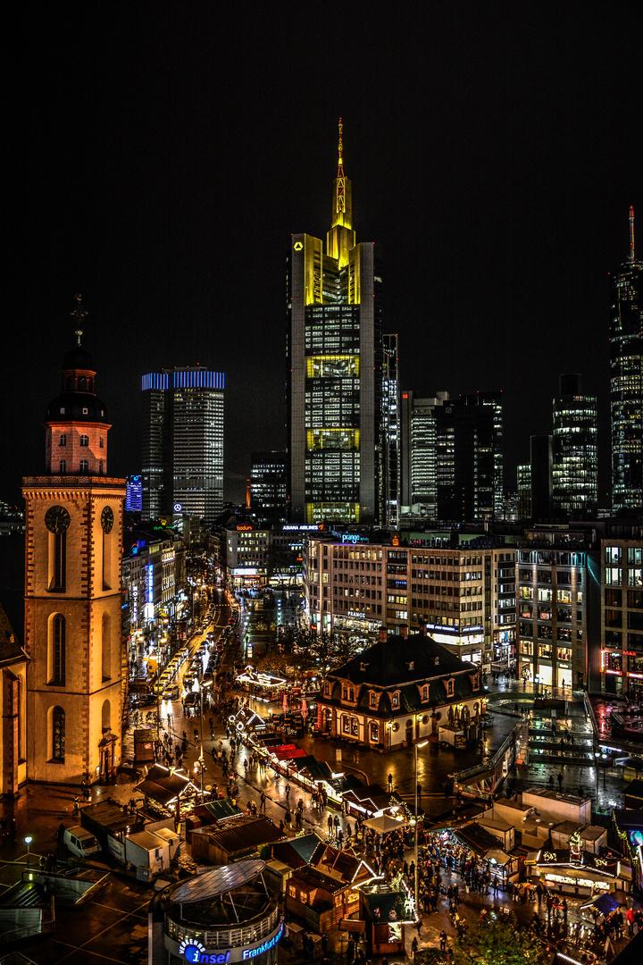 frankfurt skyline hochkant in the christmas spirit foto bild deutschland europe. Black Bedroom Furniture Sets. Home Design Ideas