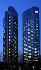 Frankfurt - Türme der Macht und des Geldes