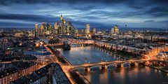 Frankfurt zur blauen Stunde
