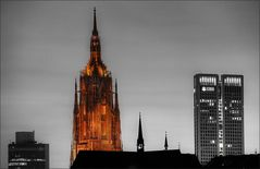 * Frankfurter Dom *