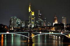 Frankfurter Nachtskyline 2