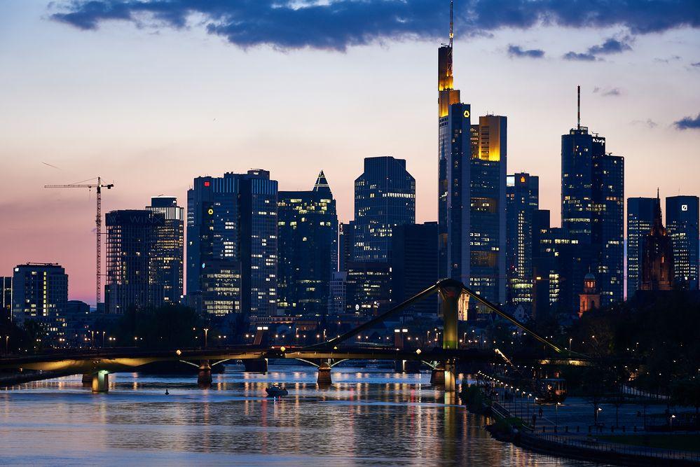 Frankfurter Skyline bei Nacht 2