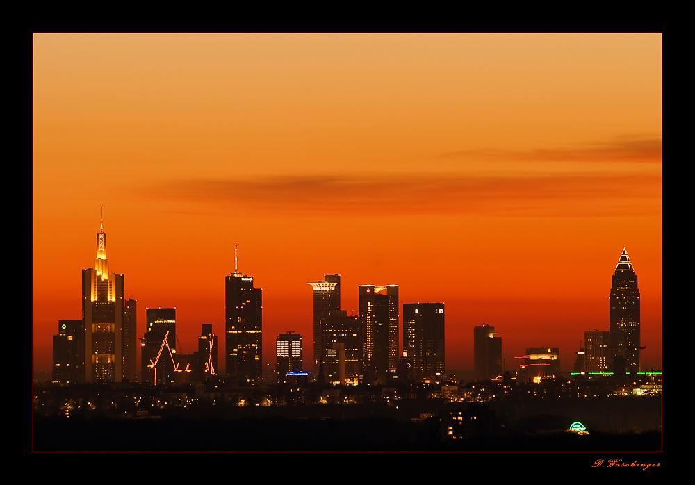 Frankfurter Skyline im Abendrot