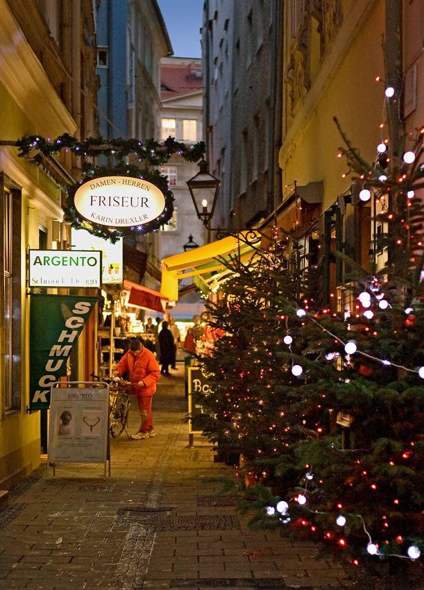 Franziskanergasse in Graz zur Weihnachtszeit