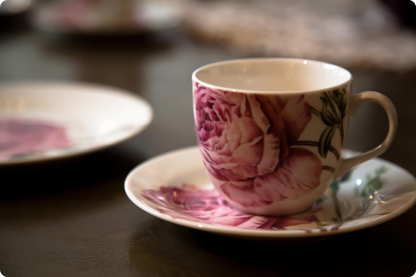 Frau Dornröschen, wollen sie etwas Tee?