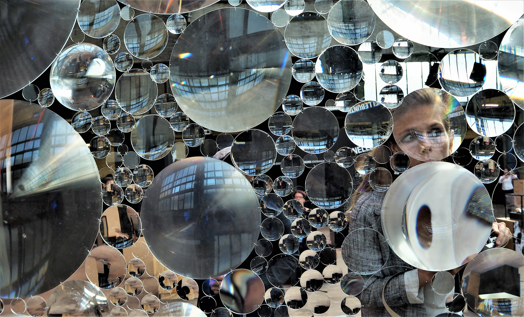 Frau im Spiegel O-08 +5Fotos