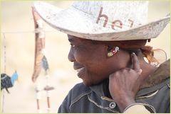 Frau ... in Namibia