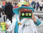 FRAU POLITIK WECHSEL K21  Stuttgart + 14.04.14 OLG