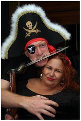 Frau und Herr Pirat