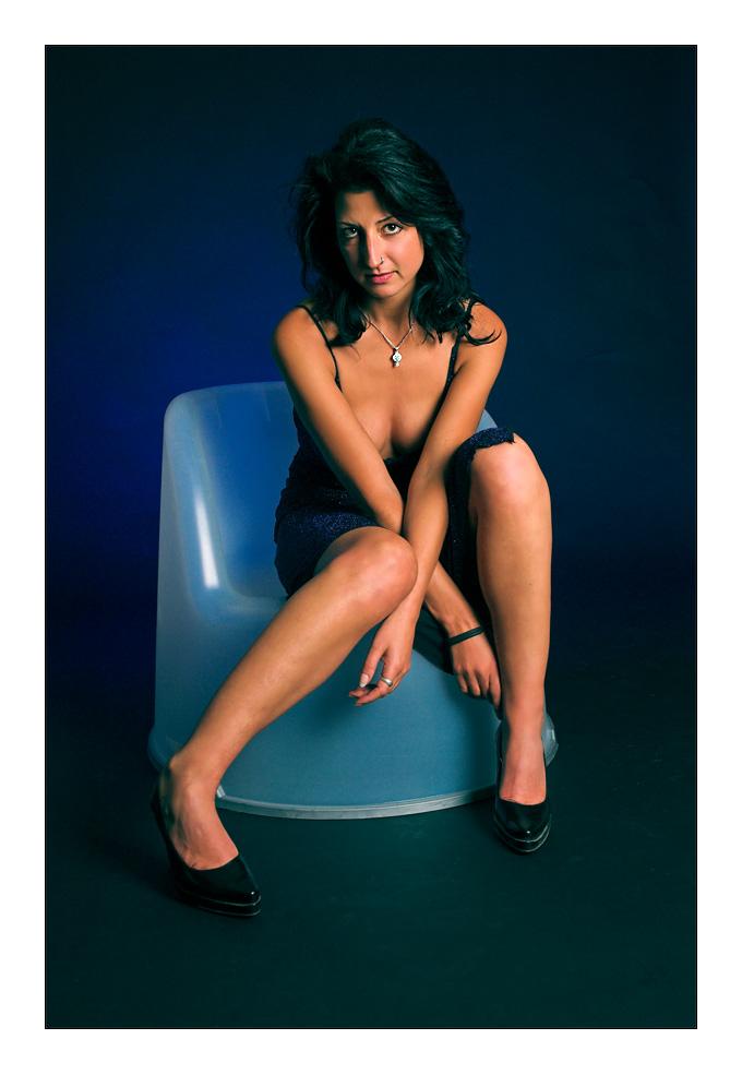 Frau und Stuhl (2)