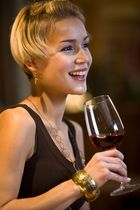 Frau und Wein