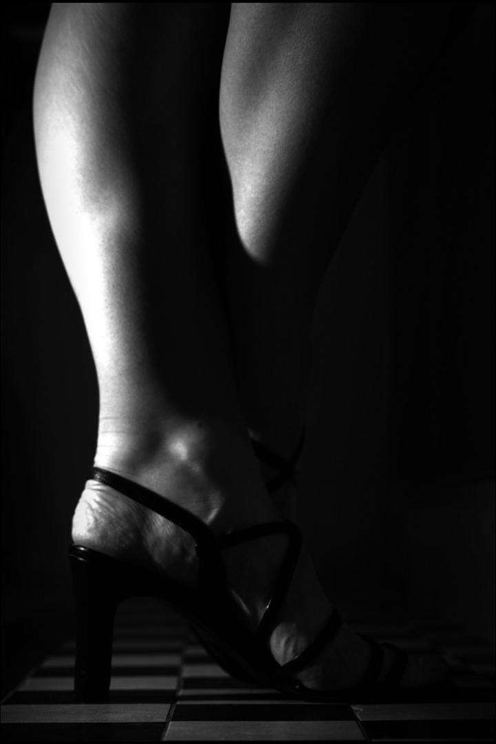 Frauen gehören in die Küche! Foto & Bild | körperdetails ...