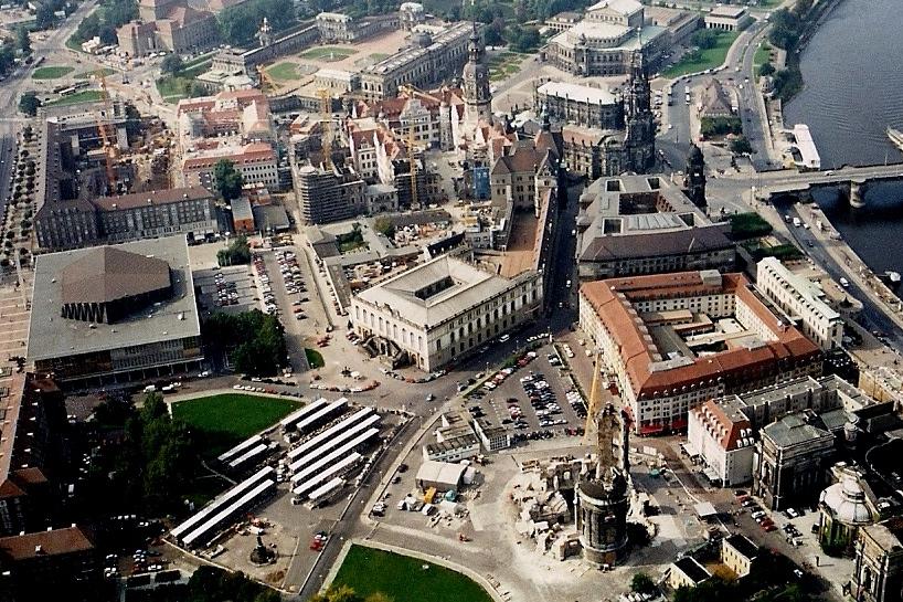 Frauenkirche Dresden 1994, die von Trümmern freigeräumte Ruine