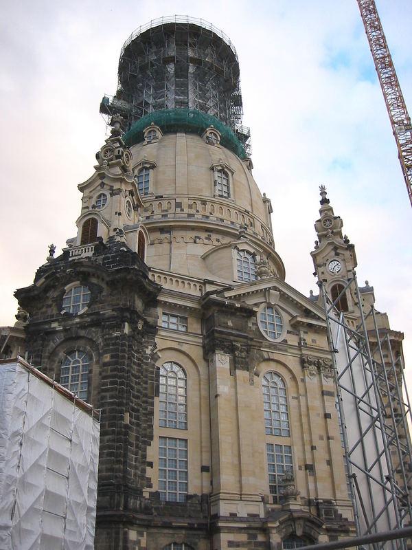 Frauenkirche Dresden im April 2004