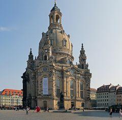 """Frauenkirche mit viel """"Bearbeitungdsmühe"""" wegen der Standortprobleme aus der Nähe"""