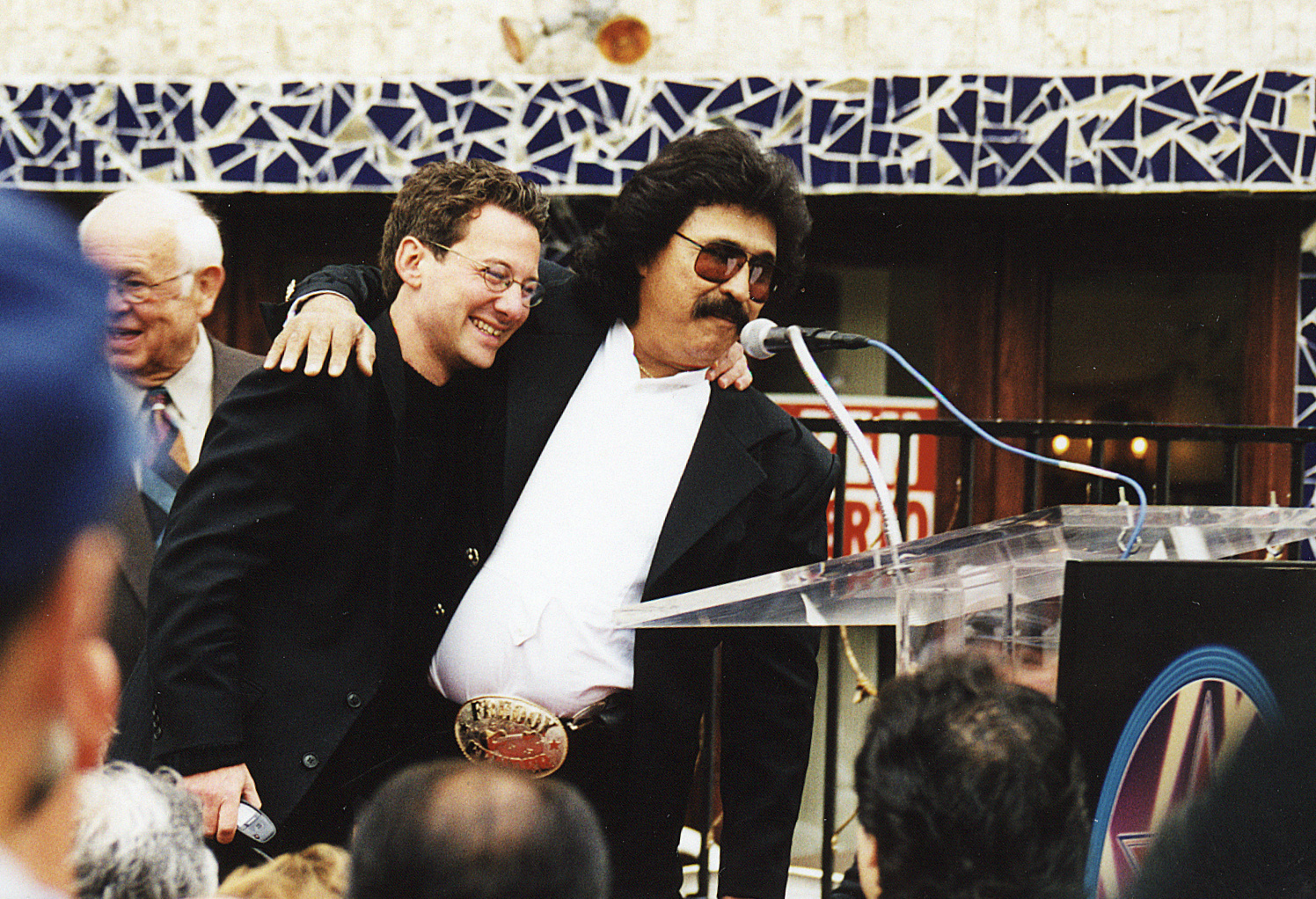 Freddy Fender..Countrysänger bei der Übergabe seines Sterns am Walk of Fame in Los Angeles