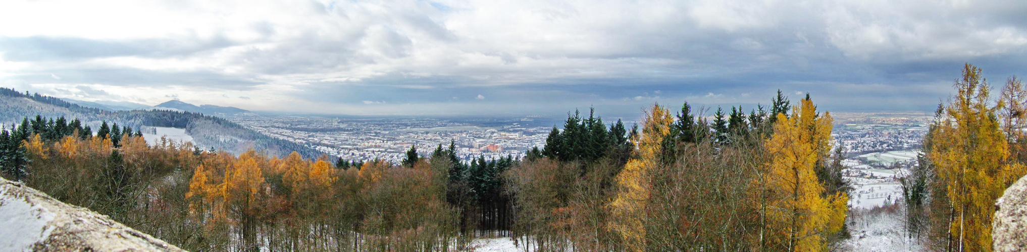 Freiburg-Panorama von der Zähringer Burg aus