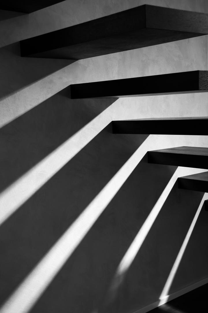 freischwebende treppe foto bild alltagsdesign photography motive bilder auf fotocommunity. Black Bedroom Furniture Sets. Home Design Ideas