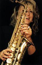 freude über das neue saxofon