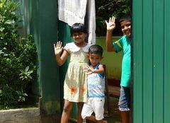 Freundliche Kinder und Menschen