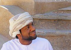 Freundlicher junger Omani