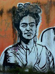 Frida Kahlo dipinta sul muro romano...