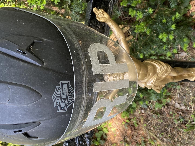Friedhof der Namenlosen - Bikerdenkmal