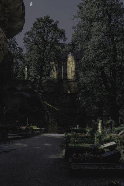 Friedhof mit Klosterruine auf dem Oybin