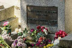Friedhof Père Lachaise 04-Jim Morrison