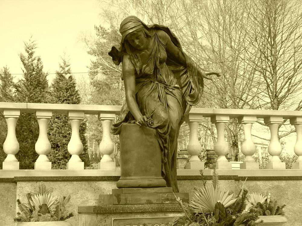 Friedhofs-Figur