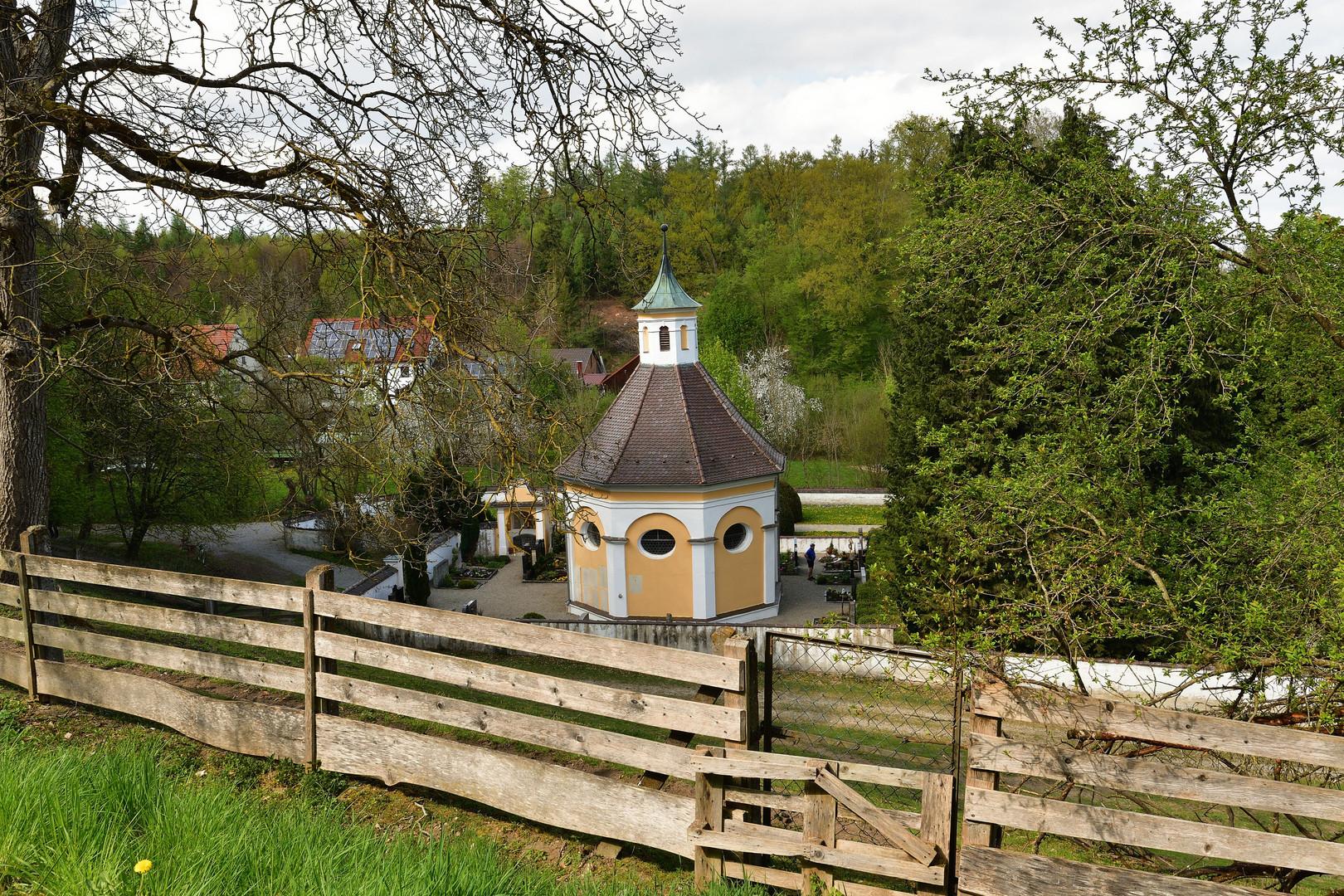 Friedhofskapelle St. Lorenz, Kloster Holzen