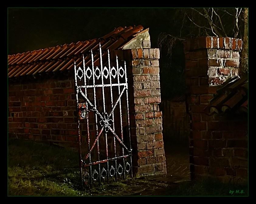Friedhofspforte.......