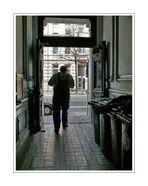 Friedrich Ebert Strasse (Heinz will carry with Siggi the washmachine to the 2nd floor)