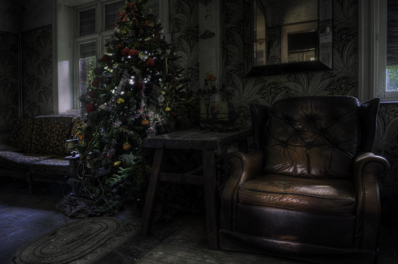 frohe weihnachten foto bild architektur lost places. Black Bedroom Furniture Sets. Home Design Ideas