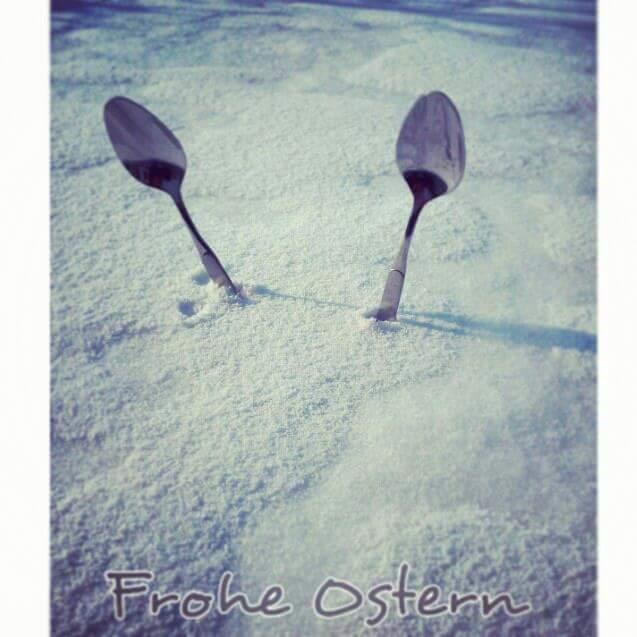 Frohe ostern im schnee