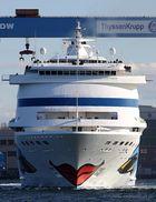 Frontalbegegnung im Kieler Hafen