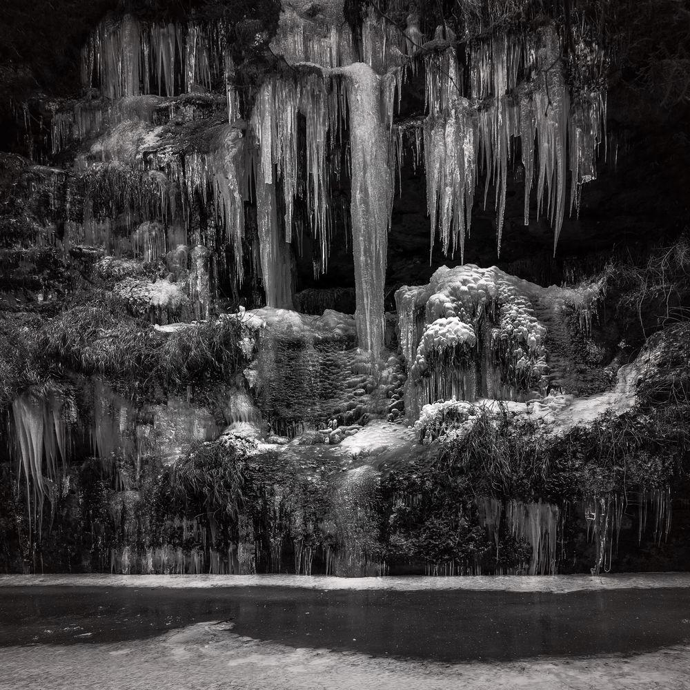 frostiger Wasserfall