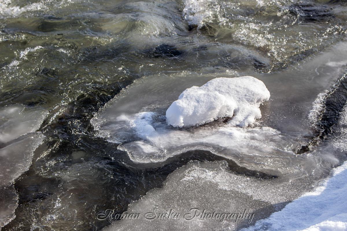 Frozen beauty of water