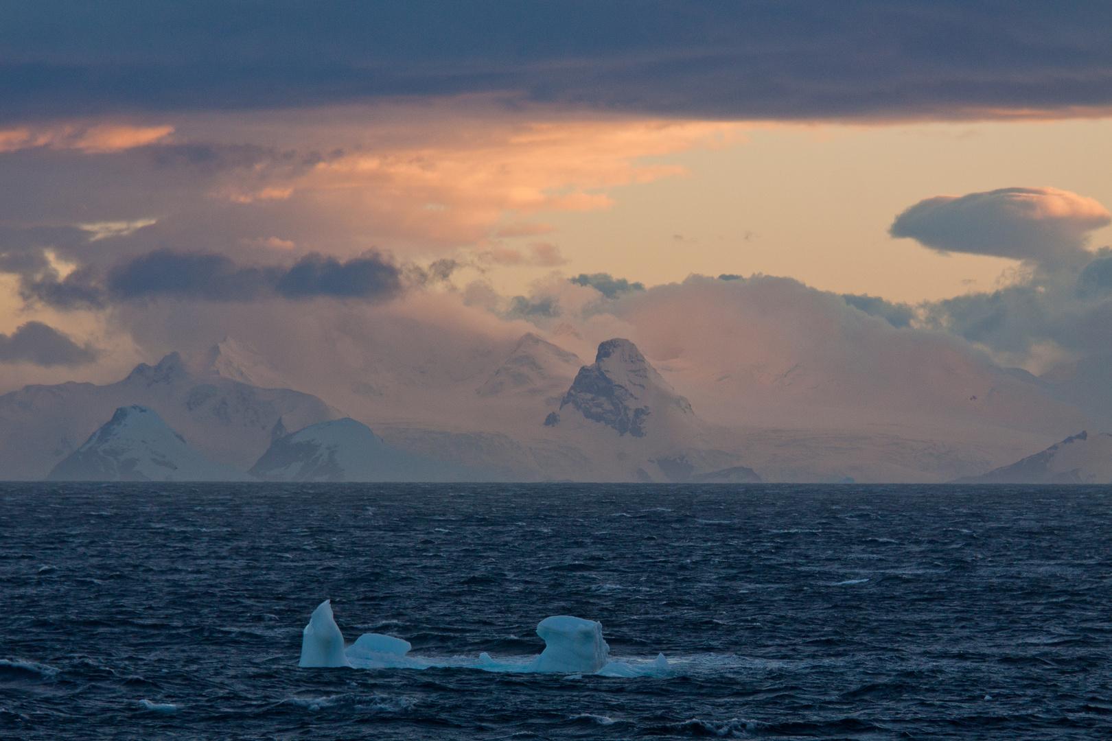 FROZEN PARADISE | Gerlache Strait | Antarctic Peninsula