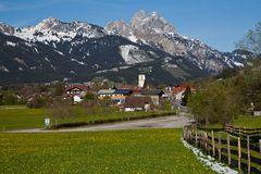 Frühjahr in den Bergen