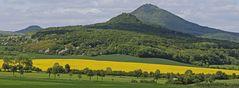 Frühling in Böhmen beim Millischauer, dem höchsten Gipfel des Böhmischen Mittelgebirges