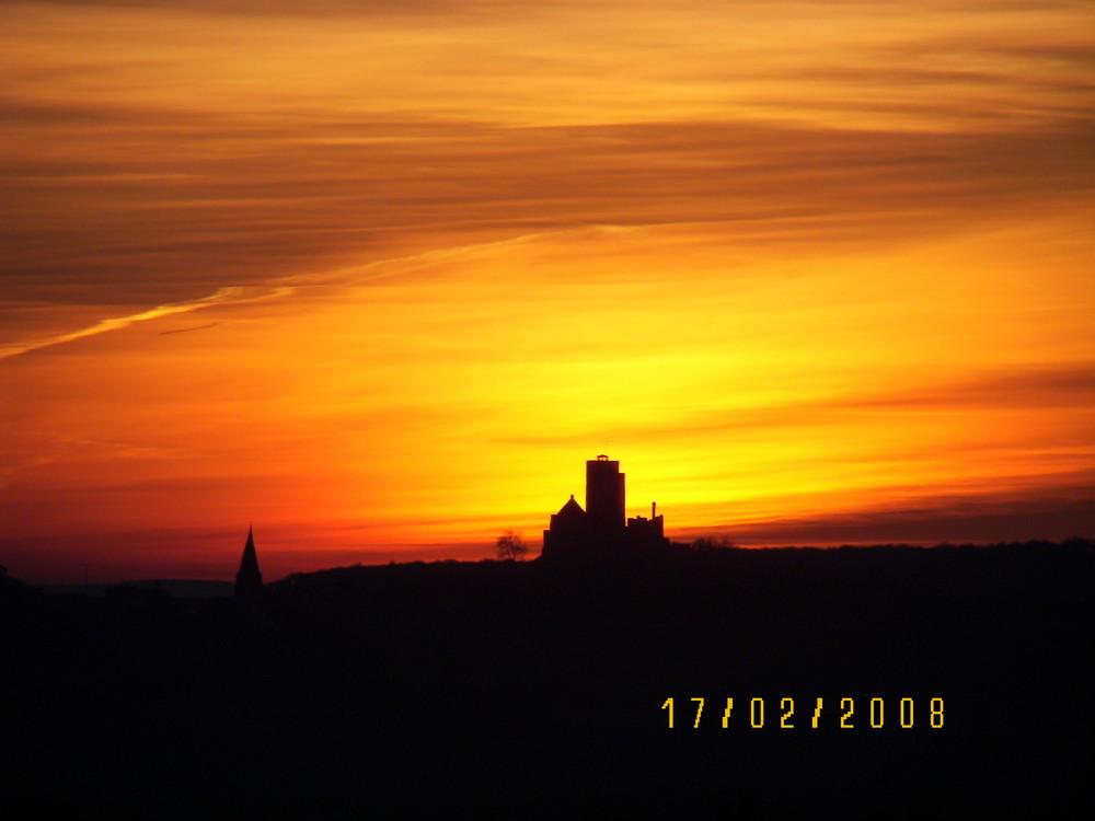 Frühlings-Sonnenaufgang1 neben Münzenburg