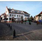Frühlingsabend am Marktplatz von Deidesheim