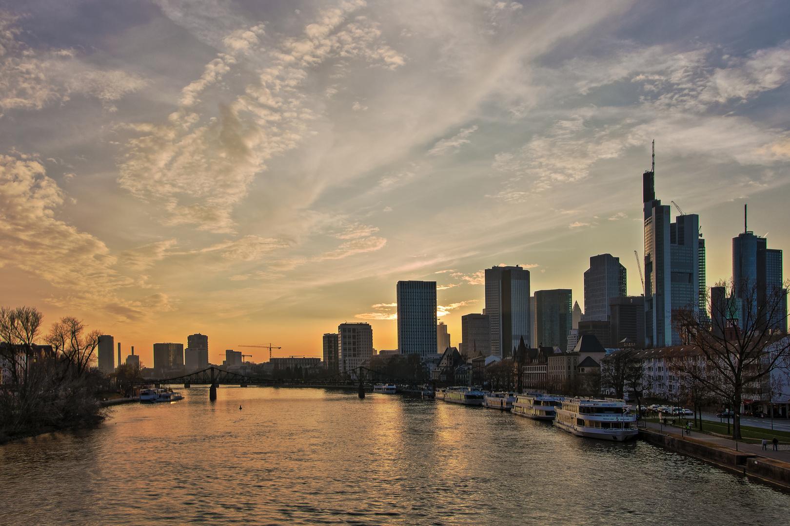Frühlingsabend in Frankfurt