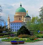 Frühlingshafter Ausblick ... A U F... die Nikolaikirche in Potsdam.