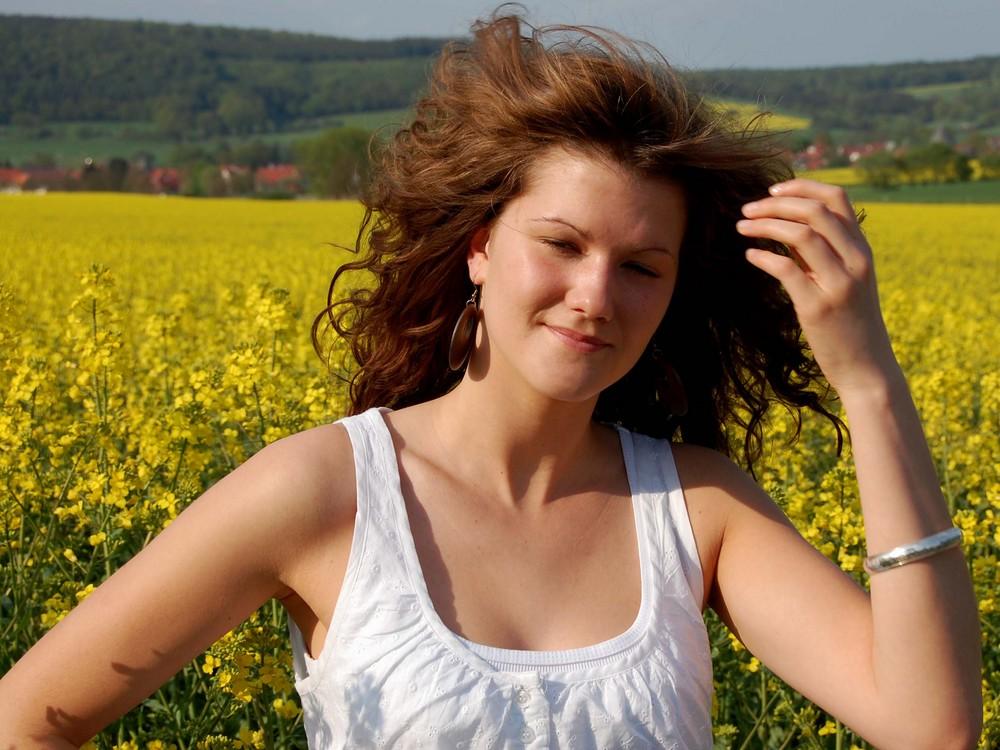 Frühling...Sonne...Raps und Model Marcy