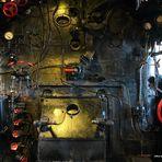 Führerstand einer Dampflok der Baureihe 043