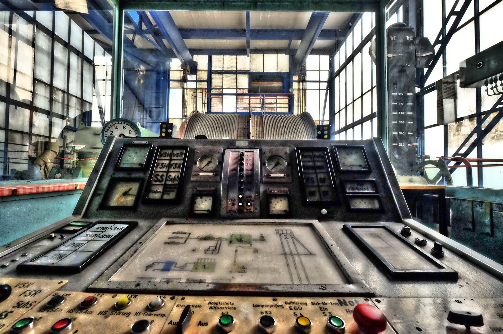 Führerstand im Maschinenhaus Schacht 404